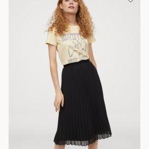 NWT H&M Black Chiffon Accordion Pleated Skirt 6